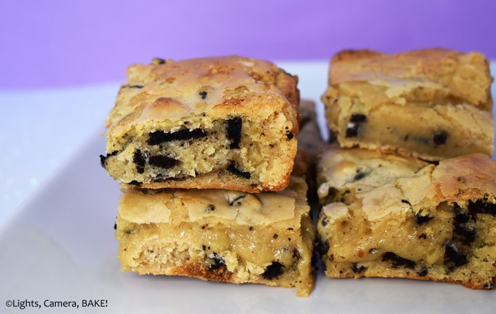 Oreo blondies on a white plate