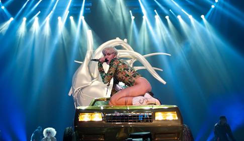 SGM X 5s Put The Bang Into Mileys Bangerz