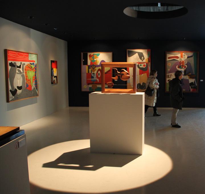 Le-Corbusier-et-la-question-du-brutalisme,-J1,-Marseille---Scénographie-Jacques-Sbriglio---Photo5-Vincent-Laganier-