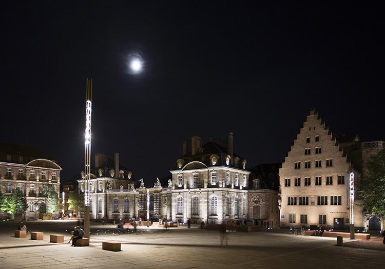 Place du Château, Strasbourg, France - Conception lumière et photo : l'Acte Lumière