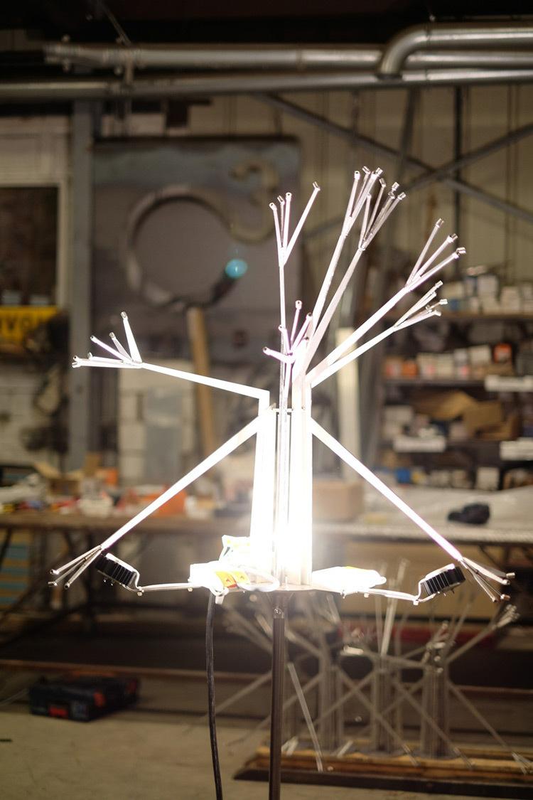 Conception de l'éclairage - Lustre polyèdre - Théâtre Novarina, Thonon-les-Bains, France © C3 Cube, Gaspard Lautrey