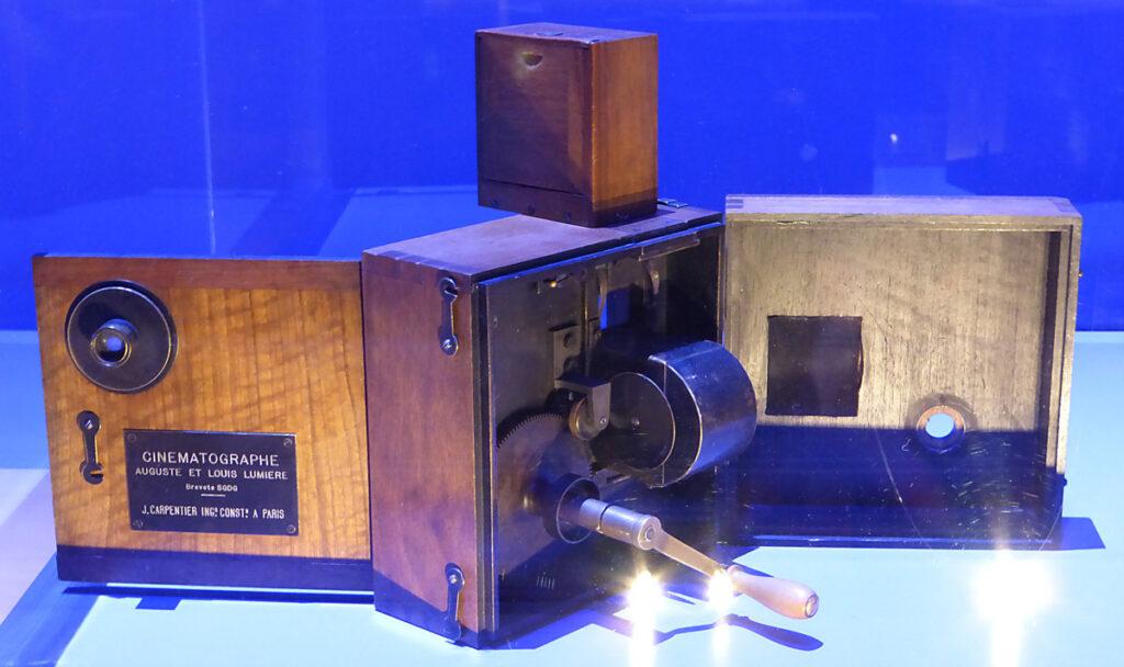 Lumière ! Le cinéma inventé - Cinématographe Lumière - Scénographie : Agence NC - Photo : Vincent Laganier