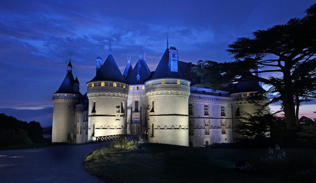 Vue du parc - Château de Chaumont-sur-Loire, France - Conception lumière et photo Neolight