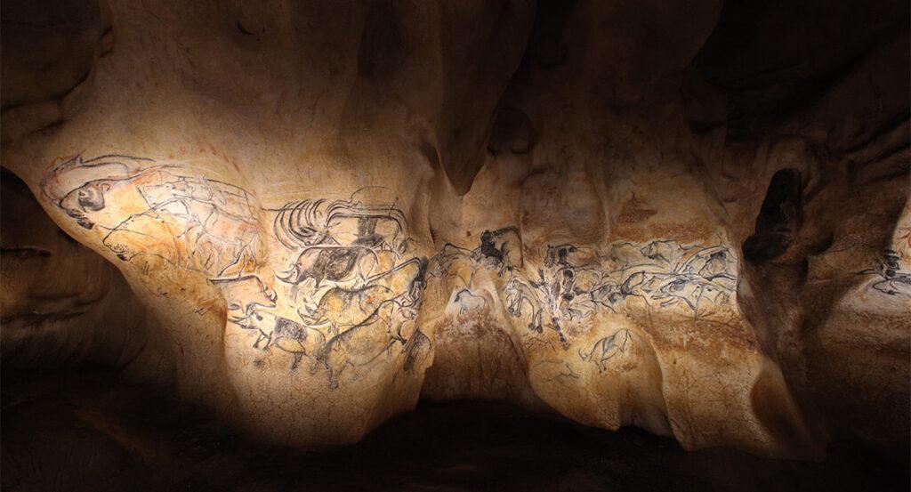 Panneau des lions © Patrick Aventurier - Caverne du Pont d'Arc