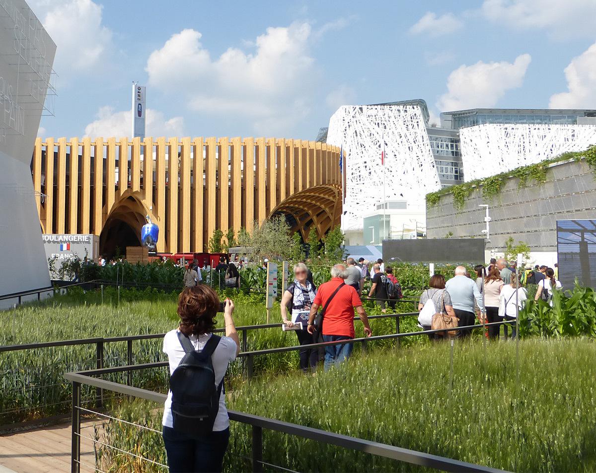 Expo 2015, Pavillon France, Milan, Italie - Entrée du jardin - Architectes XTU - Paysagistes Agence Laverne - Photo Vincent Laganier