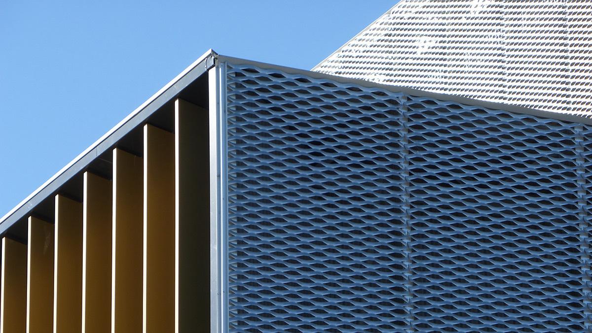 Détail de façade - Salle sportive métropolitaine de Nantes Métropole, Rezé, France - Architectes Chaix & Morel et Associés - Photo Vincent Laganier
