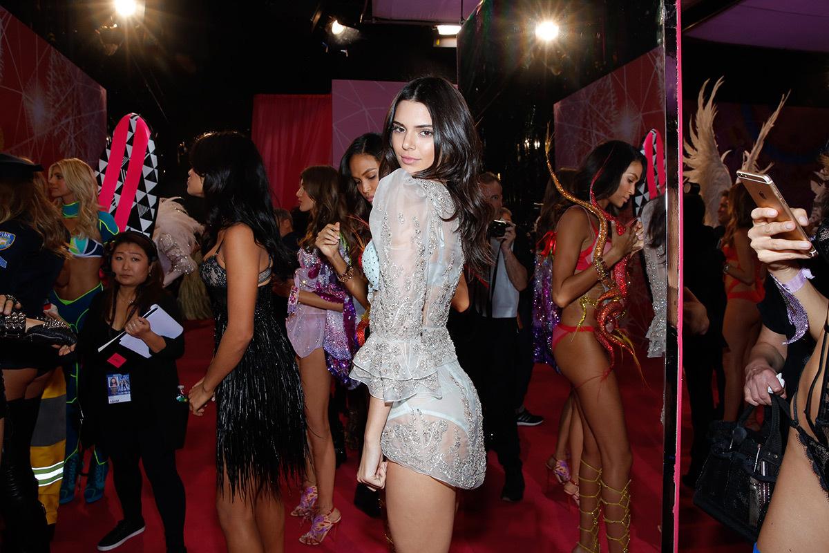 Victoria's Secret Fashion Show 2015, -Backstage, portrait de l'ange Kendall © Victoria's Secret