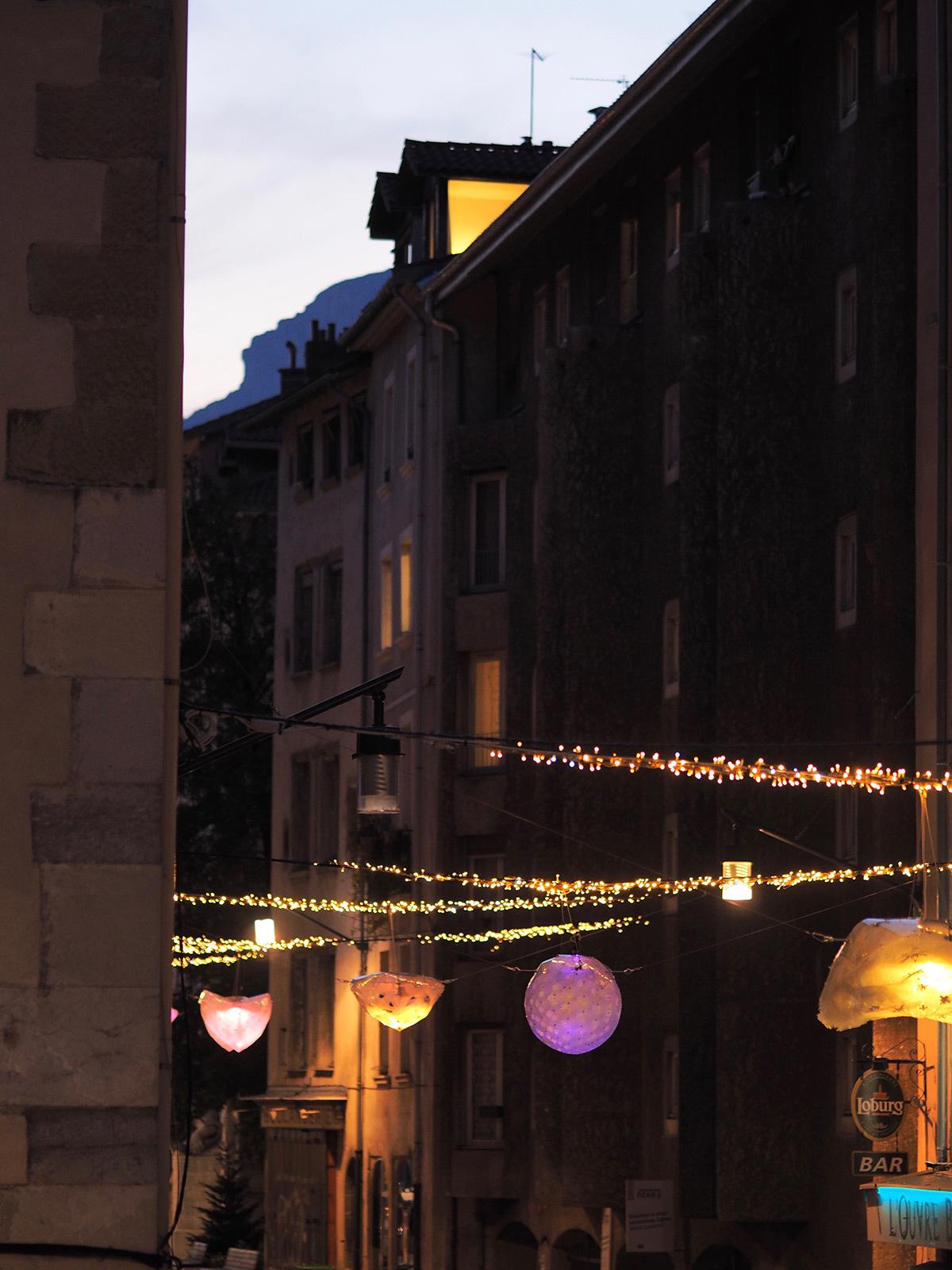 Les CoCColithes de la rue Saint-Laurent, Grenoble - Collectif Abat-Jour - Decembre 2015 © Anastasia Sokolnikova et Jean-David Boucher