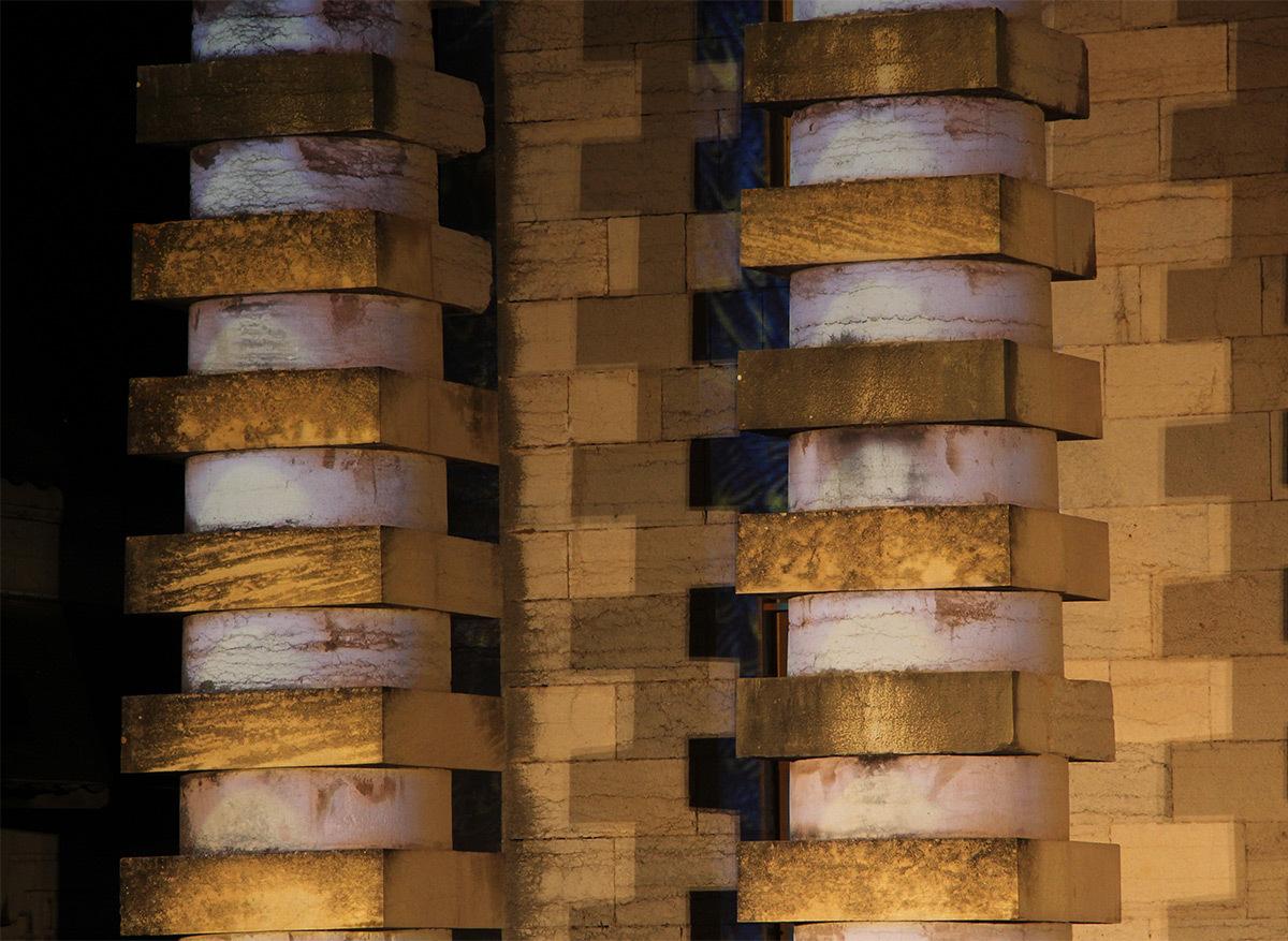 Lux Salina, Saline Royale d'Arc-et-Senans, France - Son et Lumiere 2016 - Metteur en scène et scénographe : Dominique Landucci - Création lumière et images : Spectaculaires - Photo : Vincent Laganier
