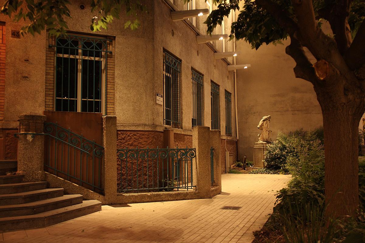 Maison des Associations, Vincennes, France - Concepteur lumière et photo : Stéphane Servant, Atelier S2