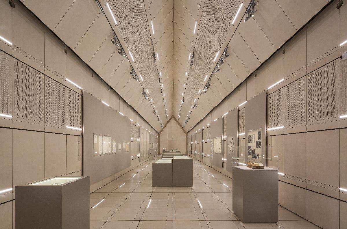 Abbaye d'Ardenne, salle d'exposition par Opus 5 Architectes