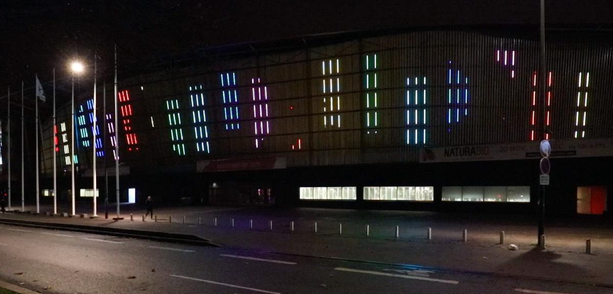 Palais des congres, Lille, France - média façade intégrée - Architecte : Rem Koolhaas - Concepteur lumière : Jean-Philippe Corrigou