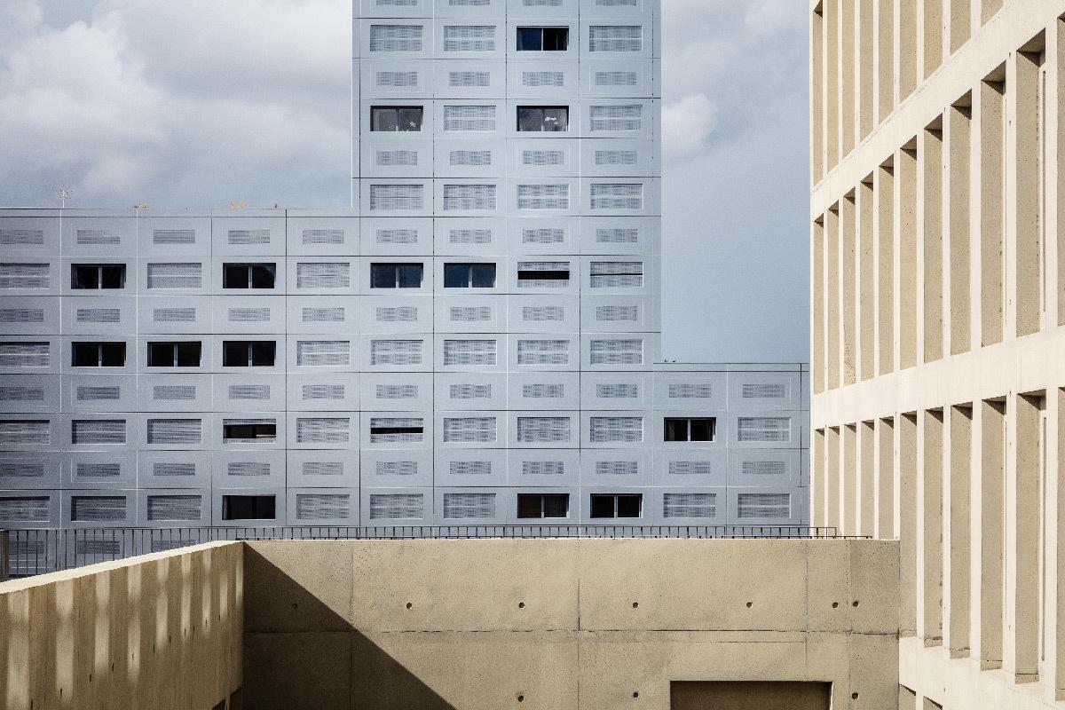 Tour 360 View, Polaris, Île de Nantes, France - trame de fenêtres en façade - LAN Architecture - Kaufman & Broad © Charly Broyez