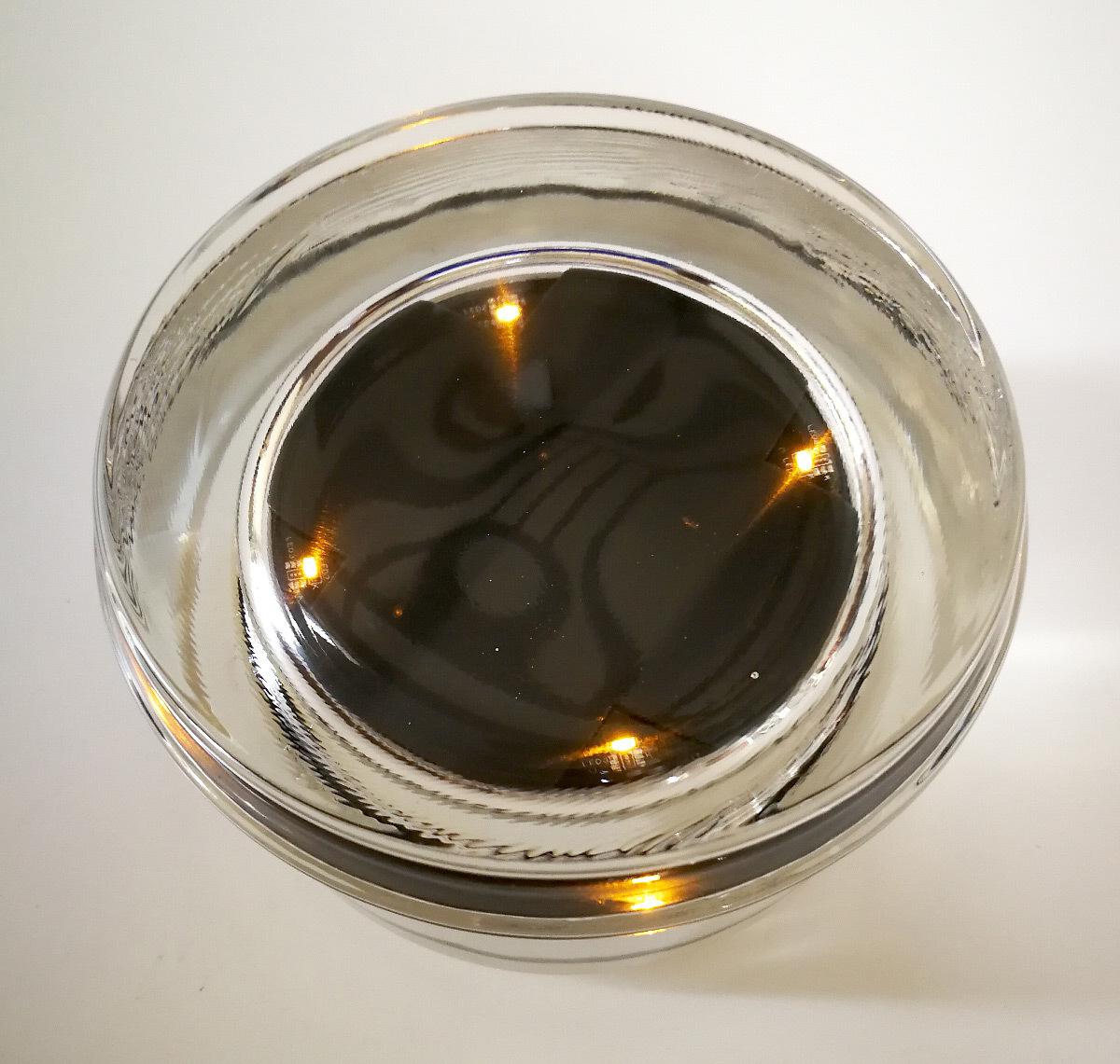 Vue de jour du plot Cristal LED ambre - balisage solaire © Nowatt Lighting
