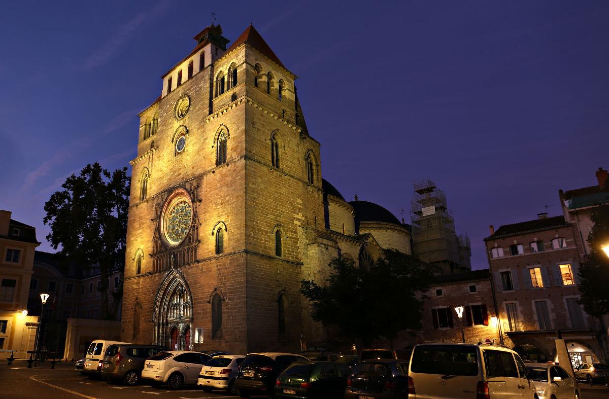 Cathédrale de Cahors, Lot, France - Conception lumière et photo © Quartiers Lumières