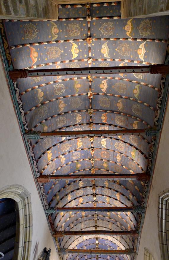 Eglise Saint-Yves, Roche-Maurice, Nord, France - Concepteur lumière : Maël Iger © Maël Iger