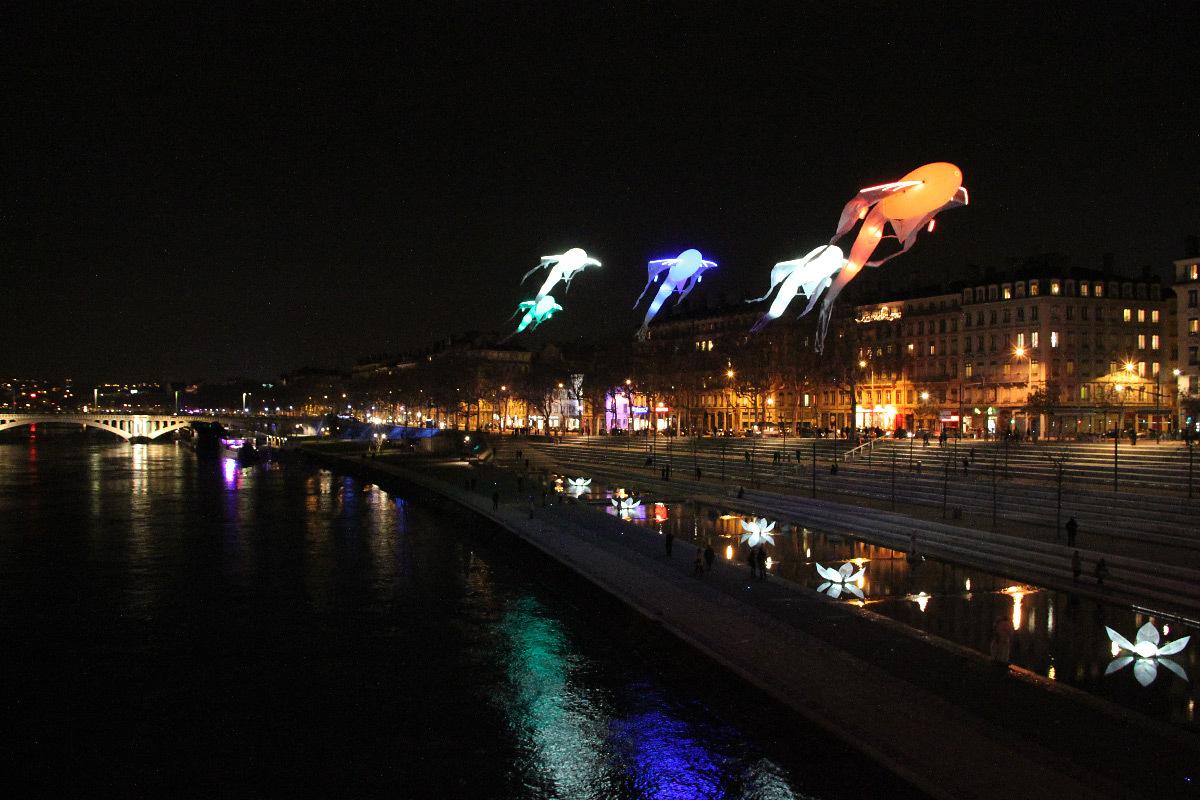 Le bal des Luminéoles, poésie céleste, terrasses de la Guillotière, Lyon - Scénographe : Christophe Martine - Fête des lumières 2012 © Vincent Laganier