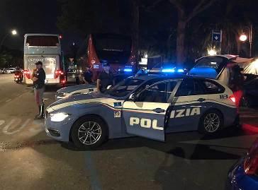 No mascherine e coprifuoco: manifestazione pacifica alla Spezia. Interviene la Polizia