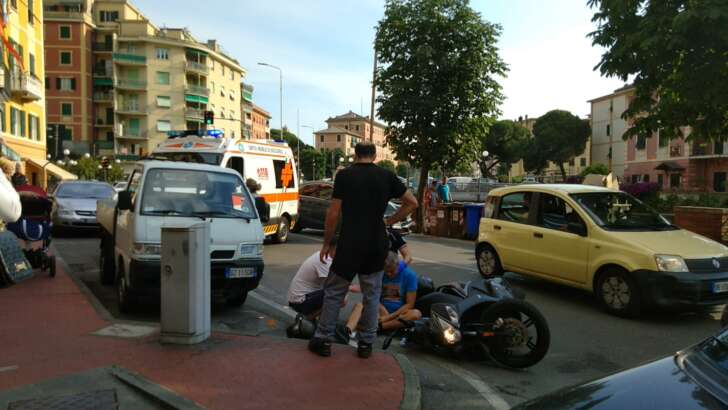 Incidente a Recco, scooter a terra | Foto