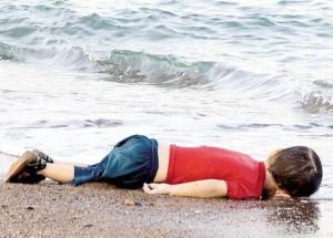 Migranti, ennesimo naufragio nel Mar Egeo