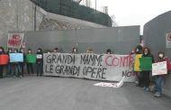 No Tav, mamme protestano a Cravasco per la salute dei bambini