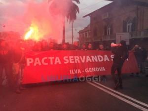nuova manifestazione dell'Ilva di Cornigliano
