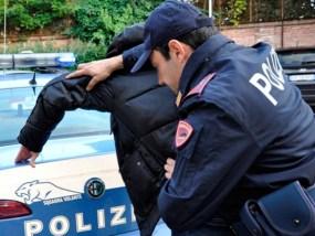 Genova, 36enne arrestato dopo aver rubato profumi alla COIN