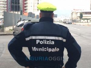 Genova, investito venditore ambulante in via di Francia