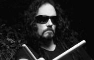 Musica - L'ex batterista dei Megadeth stroncato da infarto sul palco