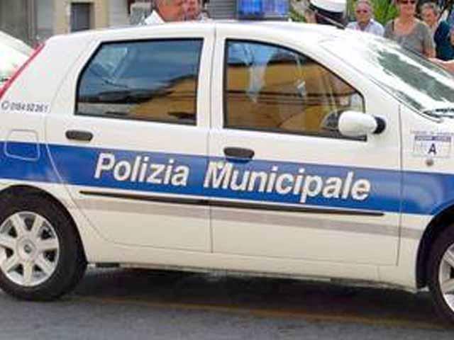 Officina abusiva scoperta in Valpolcevera: scatta il sequestro