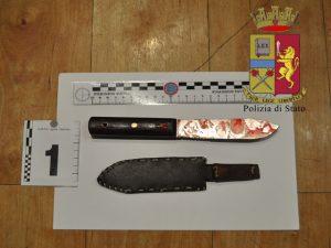 Nella foto, il coltello usato per il tentato omicidio