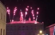 Fuochi d'artificio sulle note della Traviata, lo spettacolo in piazza De Ferrari