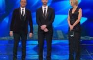 Sanremo 2017, Raoul Bova all'Ariston si improvvisa presentatore