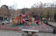 Acquasola, infastidisce i bambini al parco: denunciato 45enne