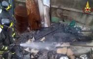 Sestri Ponente, incendio nella zona industriale in via Bressanone