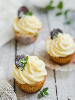 kokos limeta cupcakes s bijelom cooladom (3)
