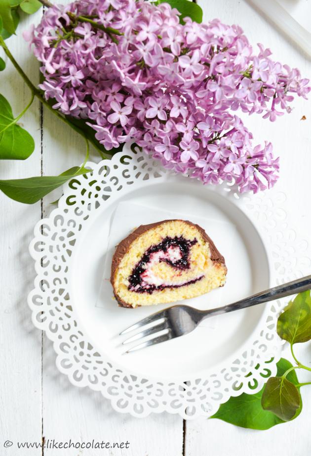 Rolada s borovnicama, mascarponeom i čokoladom (6)