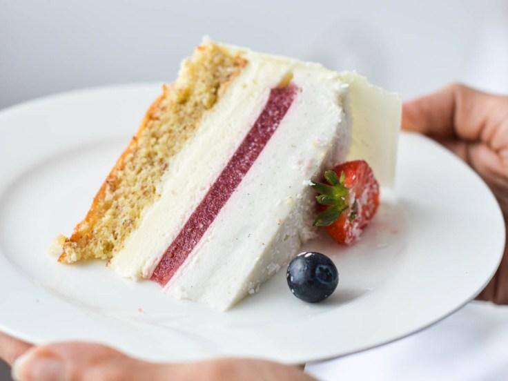 mousse torta s jagodama i kokosom (7)