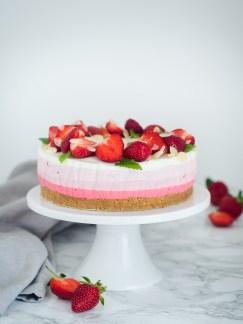 ombre torta od jogurta i jagoda (6)