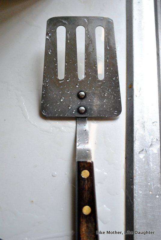 old fashioned kitchen necessities-001