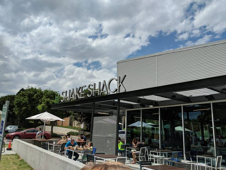 Shake Shack has made its debut in Charlotte, the lines are long, and the food is pricey. But is it worth the trip?