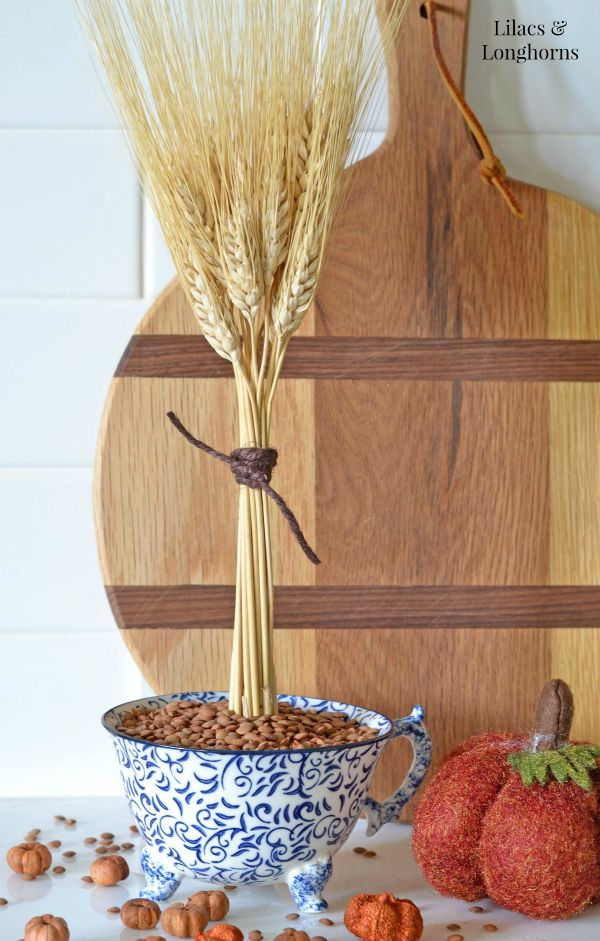 dried wheat fall display