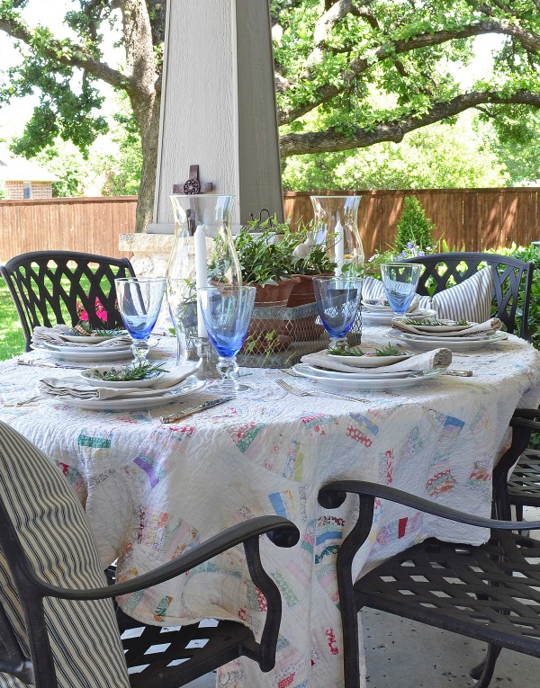 outdoor spring tablescape farmhouse style