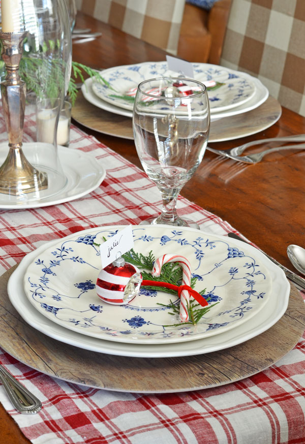 blue-and-white-dishes-red-plaid-christmas-tablescape
