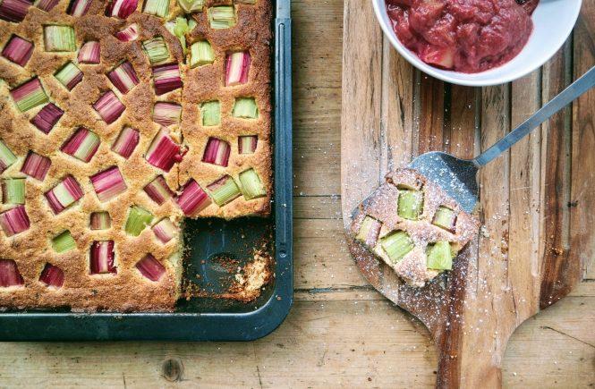 Rhabarber Grießkuchen