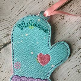 ITH – Winter Mitten Ornament 4×4 and 5×7 Grouped