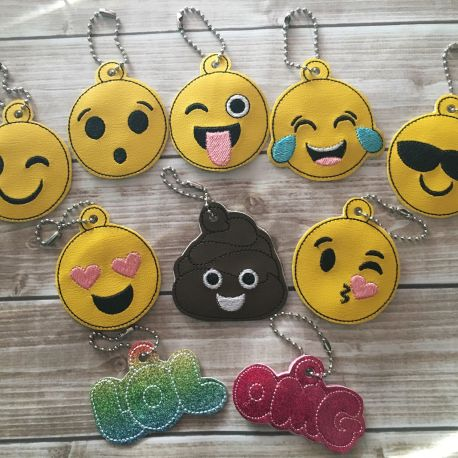 smiley zipper pull set