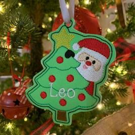 ITH – Peeking Santa Ornament 4×4 and 5×7 grouped – Digital Embroidery Design