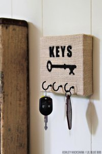 How to Make a Burlap Canvas Key Holder