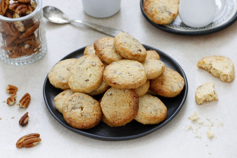 Slice and Bake White Chocolate Cookies with Coconut and Pecans